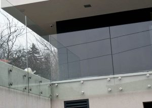 Balustrada szklana zewnętrzna ANT Schody nowoczesne balustrady Warszawa