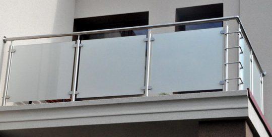 Balustrada zewnętrzna szklana w ramie ANT Schody nowoczesne balustrady Warszawa